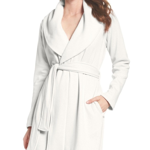 52ee11adfc NWT Women s Plus UGG BLANCHE Plush Robe